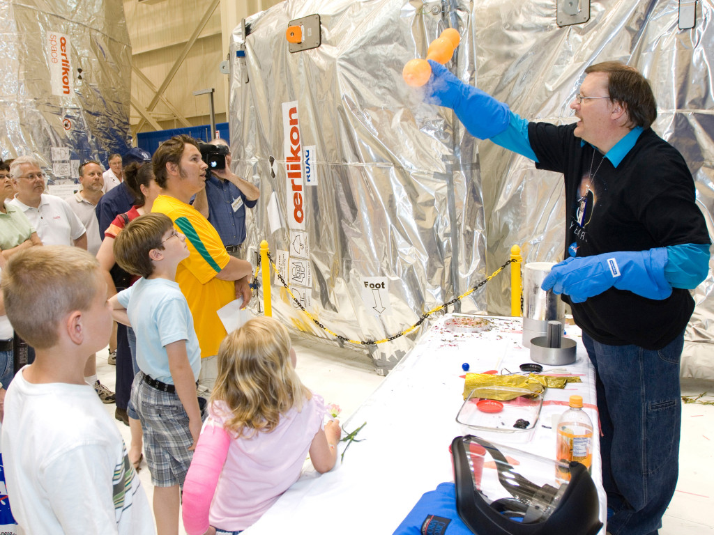 Bryan Palaszewski, a rocket scientist, demonstrates propulsion to a crowd of visitors at Glenn's 2008 open house. Image Credit: NASA
