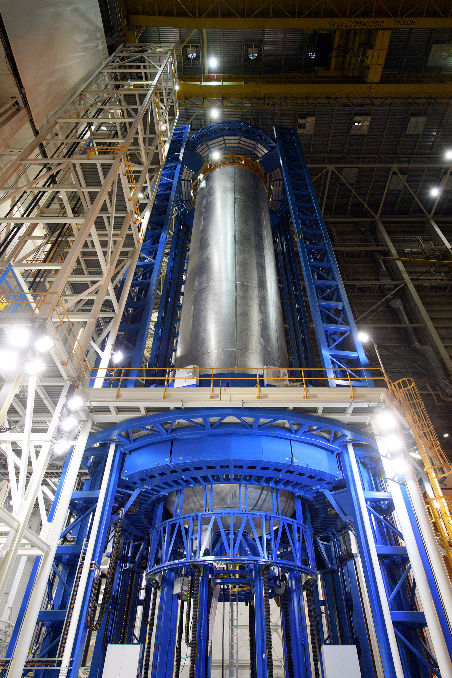 Boeing completes welding on a liquid hydrogen fuel tank for the SLS core stage for EM-1 mission. Image Credit: NASA/Business Wire